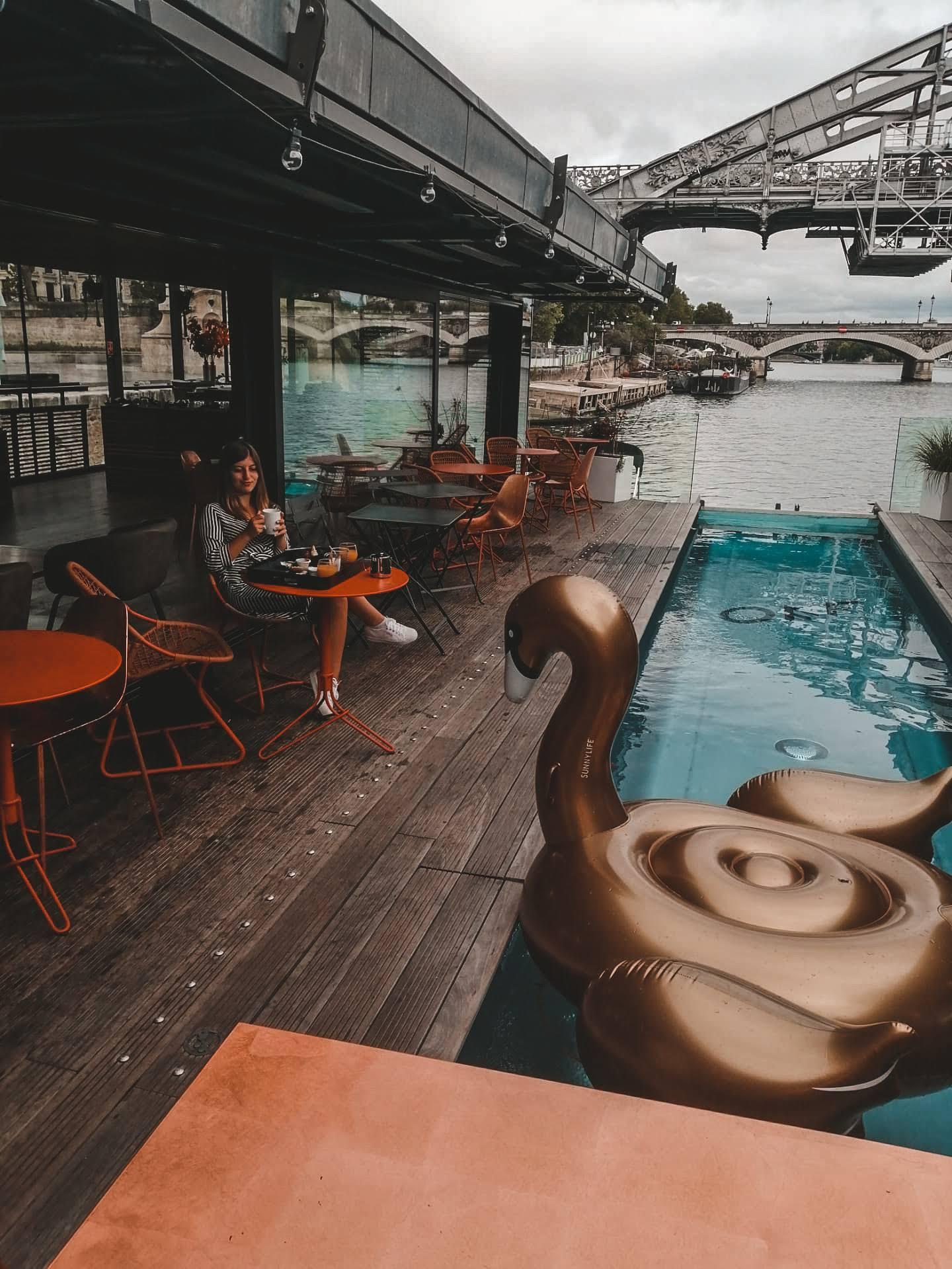 Paris Off Seine, a hotel on the Seine
